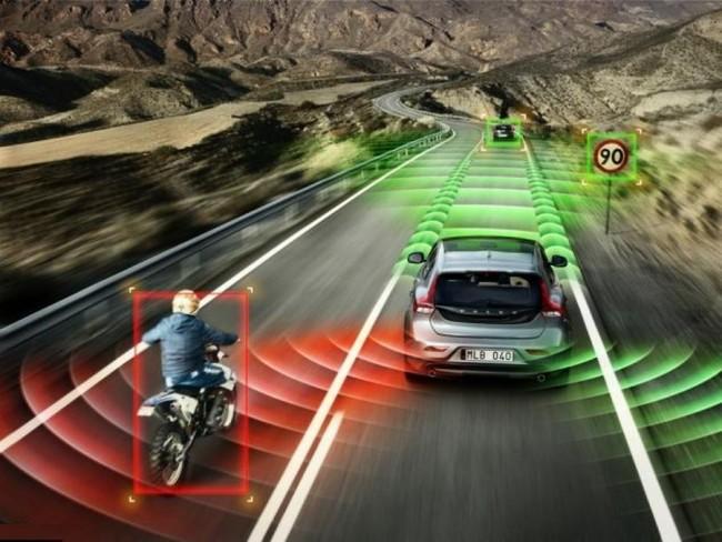Volvo-Accident-avoiding-Self-driving-Car-for-2020