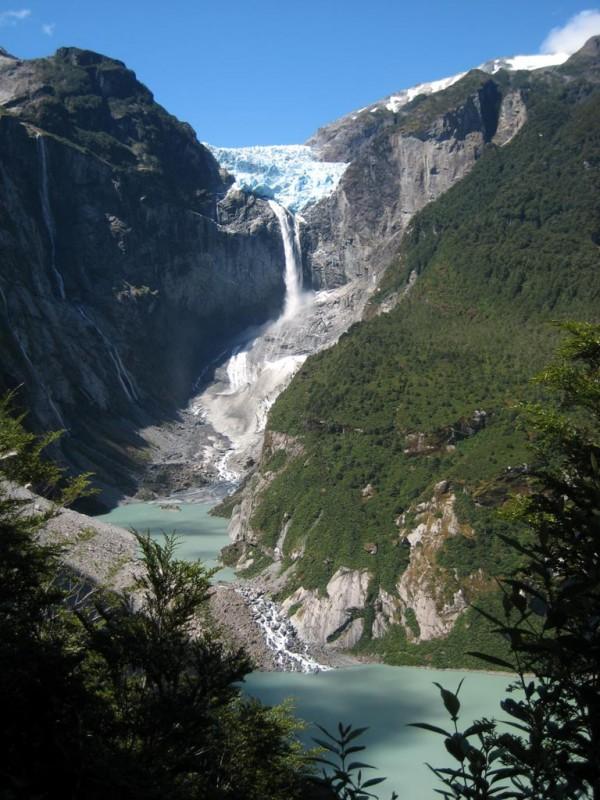 Cascada de Ventisquero Colgante (Hanging Glacier Falls), Chile Waterfall