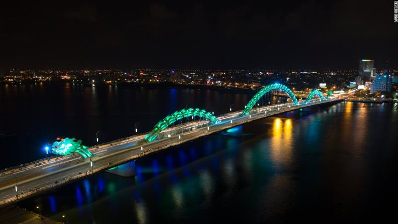 Dragon Bridge, River Han, Da Nang, Vietnam