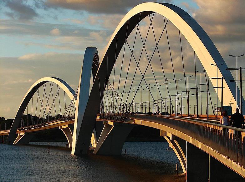 Juscelino Kubitschek Bridge (President JK Bridge), Lake Paranoa, Brasília, Brazil