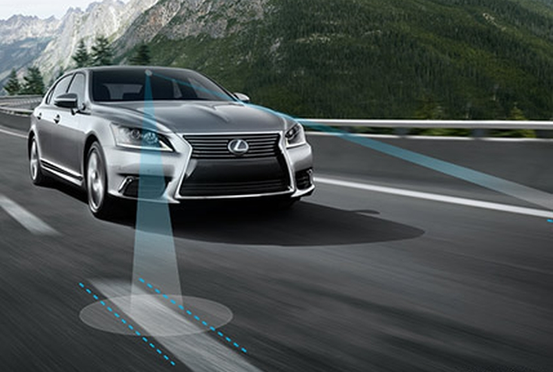 car-lane-assist-2017-lexus-feature