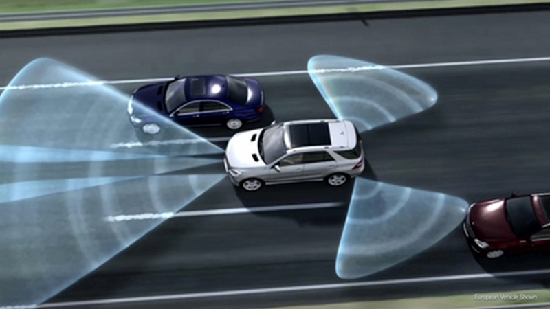 mercedes-blind-spot-assist