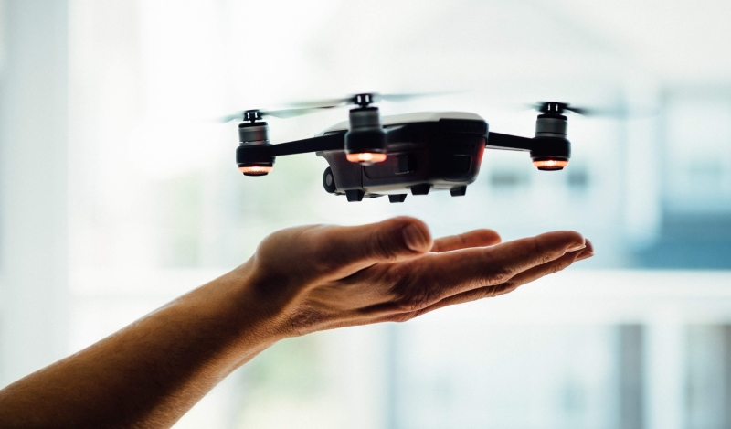 drone-delivery-in-hand