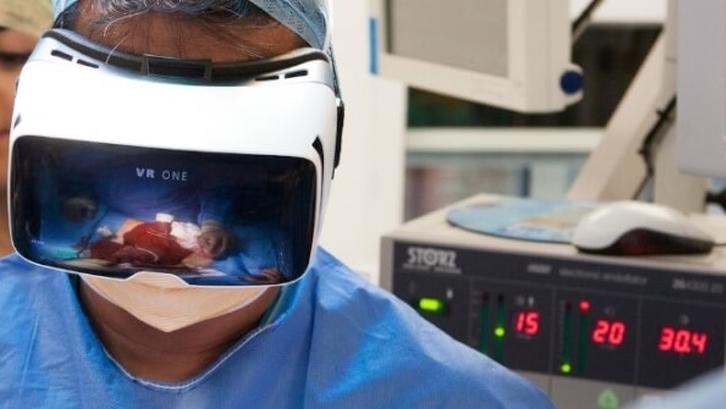 vr-virtual-reality-healthcare
